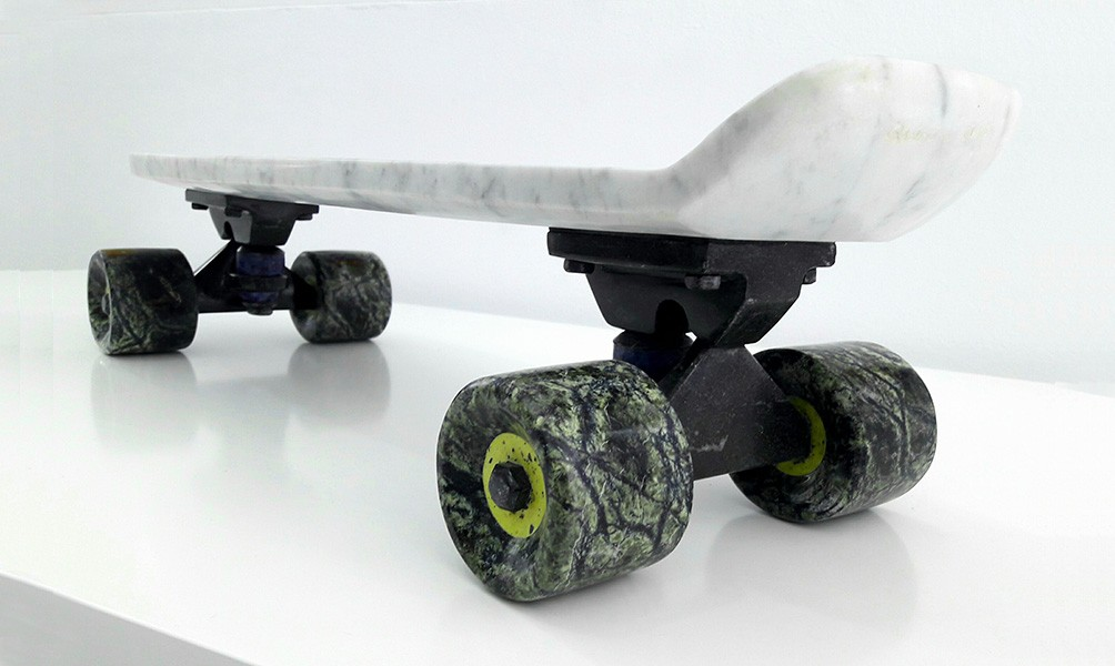 Stone Skateboard, m�rmol