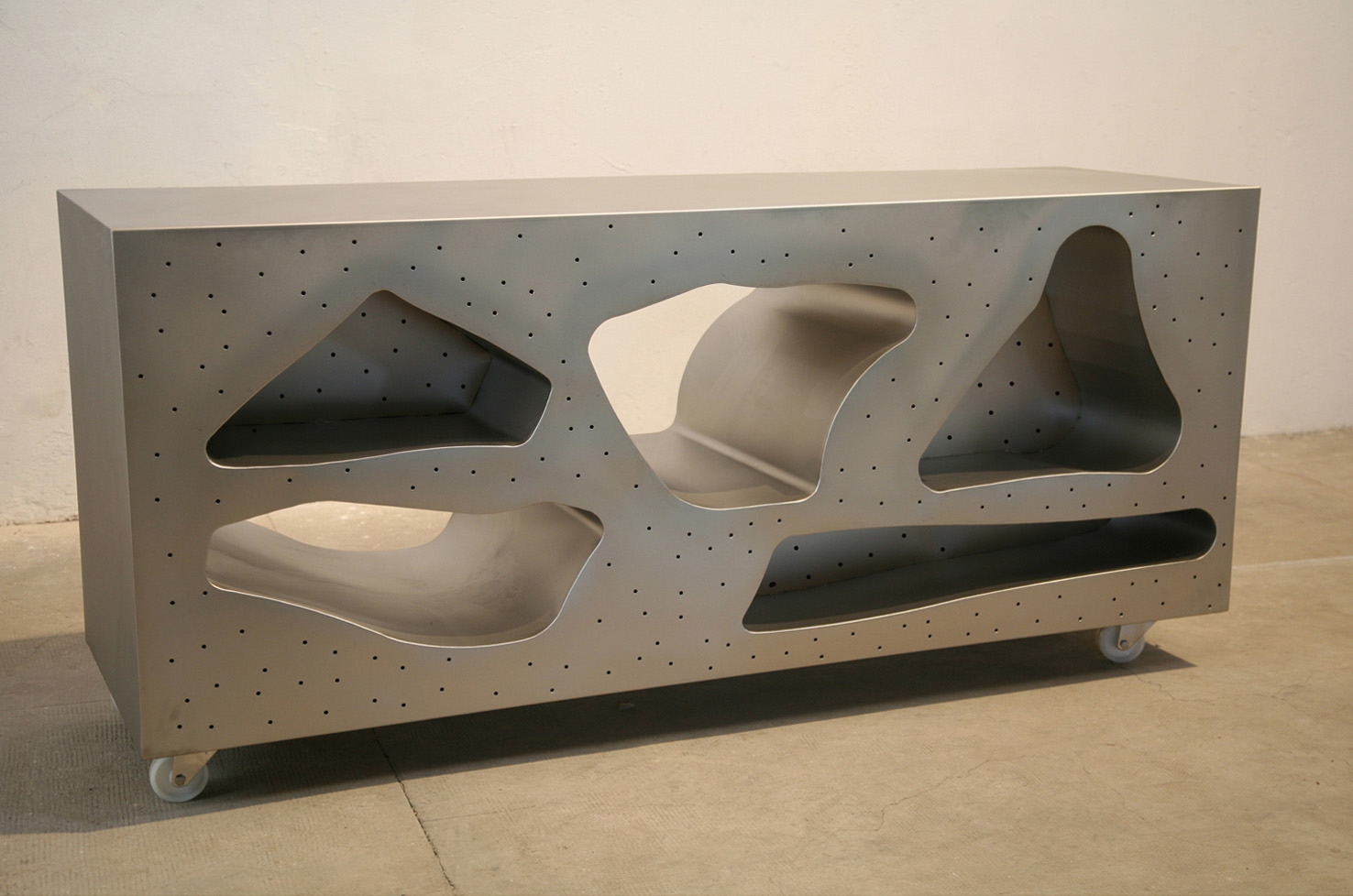 Mueble 1, 2014, satin stainless steel, 85,5 x 180,5 x 55 cm.